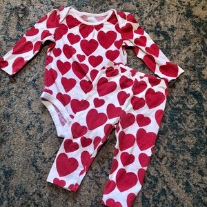 Baby GAP Valentines heart outfit (12-18m)
